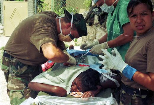 Смотреть видео врач извращенец мучает своих пациенток, с самотыком на работе